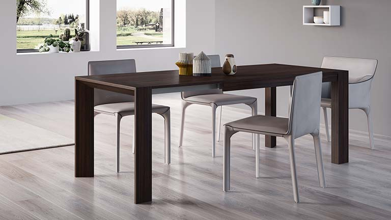 Giuditta dining table